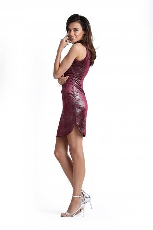 Połyskująca welurowa  kasandra bordowa mini sukienka ołówkowa