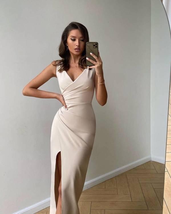 Sukienka Laura- jasny beżowy