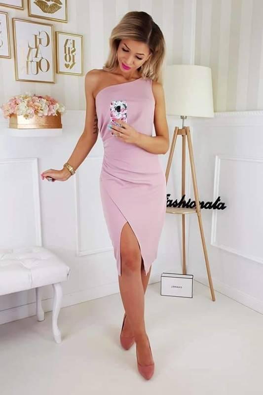 Sukienka na jedno ramię z rozcięciem- puder