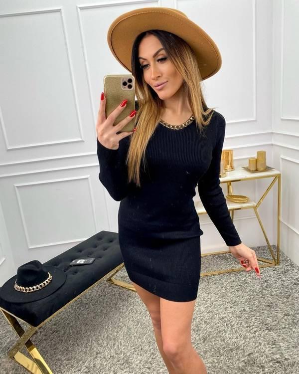 Sukienka prążkowana  z łańcuszkiem- czarny